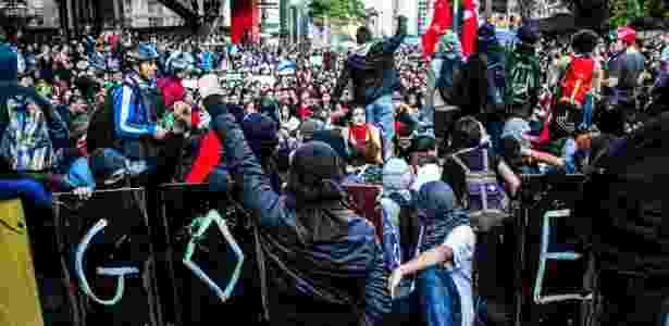 Blacks blocs participaram de ato em São Paulo, mas não houve registro de incidentes - Yan Boechat/UOL