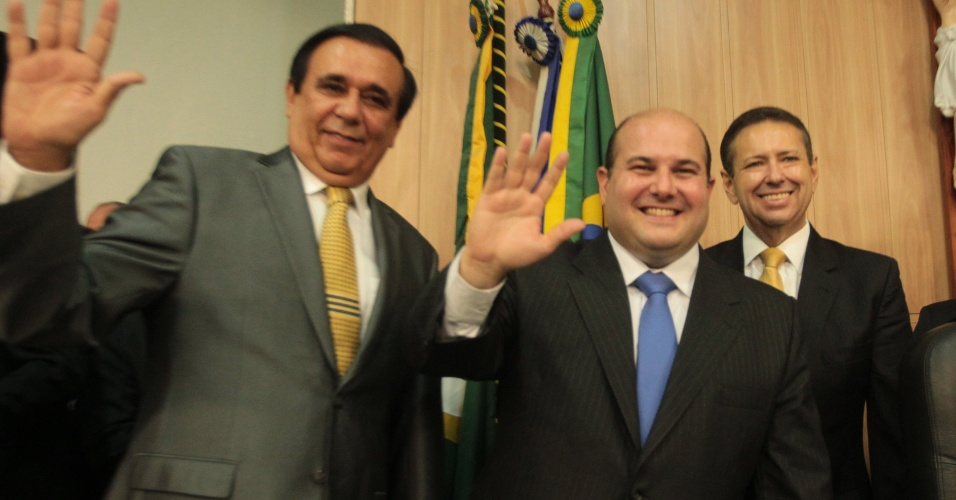 Em 2013, Gaudencio Lucena (à esq.) tomou posse ao lado de Roberto Claudio (centro)