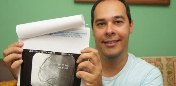 João Paulo Mauler mostra exame após coração operado; infarto foi 'divisor de águas' profissional, afirma ele