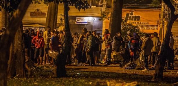 Usuários de crack se mudam para a praça Princesa Isabel, no centro, após ação da PM
