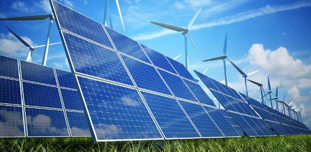 Energia solar fotovoltaica e energia eólica, energias renováveis, energia limpa - Getty Images/deliormanli