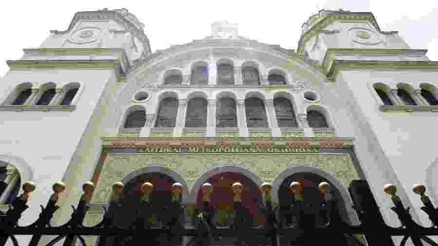 """A Catedral Metropolitana, no Paraíso, é uma das igrejas ortodoxas em SP. Aqui, o Natal é comemorado em dezembro. Mas as igrejas orientais são """"autocéfalas"""" e não todas seguem o mesmo calendário - Rivaldo Gomes/Folhapress"""