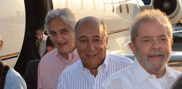 O ex-senador Delcídio, seu suplente, o empresário Pedro Chaves dos Santos Filho (PSC-MS), e o ex-presidente Luiz Inácio Lula da Silva em foto divulgada no Facebook de Chaves