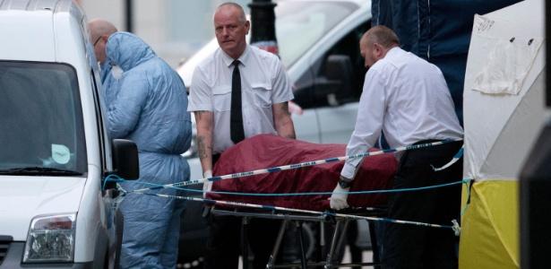 A polícia isolou o local do ataque, situado próximo ao Museu Britânico