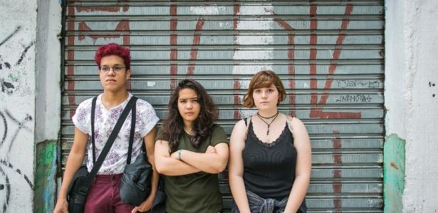 Da esq. para a dir., Antonio de Assis, 17, Adriana Freitas, 16, e Diana Suarez, 15