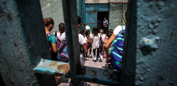Grades na Escola Estadual Maria Augusta de Moraes Neves, na zona sul de SP