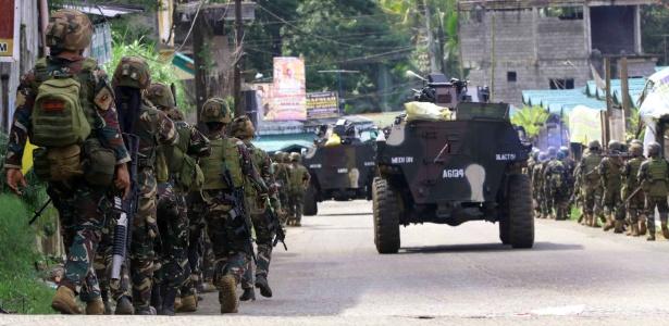 25.mai.2017 - Soldados filipinos preparam ação contra o grupo Maute, na província Lanao del Sur