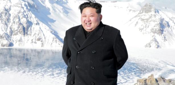 Foto do líder norte-coreano Kim Jong-un divulgada pela agência oficial KCNA, em Ryanggang, Coreia do Norte
