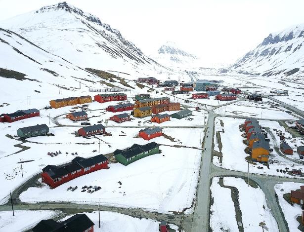 Longyearbyen é uma cidade linda de morrer que fica no arquipélago de Svalbard - Christopher Michel/Flickr/Creative Commons