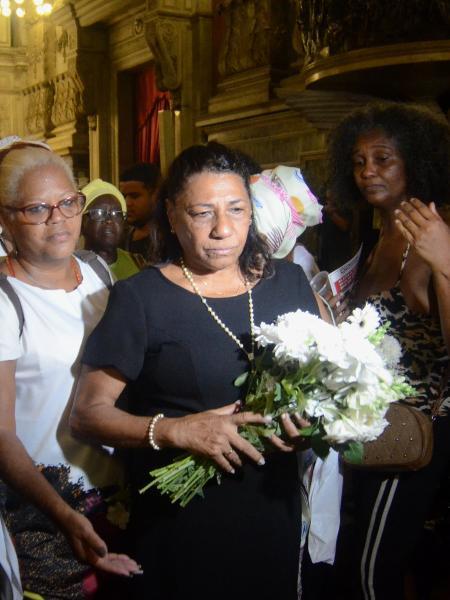 Marinete Silva durante uma missa em homenagem a memoria da deputada Marielle Franco e o motorista Anderson Gomes - DRIANO ISHIBASHI/FRAMEPHOTO/FRAMEPHOTO/ESTADÃO CONTEÚDO