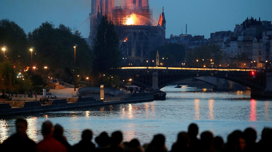 Incêndio na Catedral Notre-Dame de Paris - Reuters