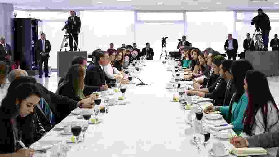 Presidente Jair Bolsonaro responde perguntas de jornalistas durante o café da manhã - Marcos Corrêa/PR