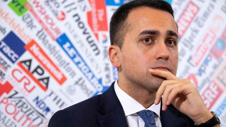O ministro italiano Luigi Di Maio afirmou que se contratos não forem cumpridos, país seguirá bloqueando vacinas contra covid-19 - Tiziana Fabi/ AFP