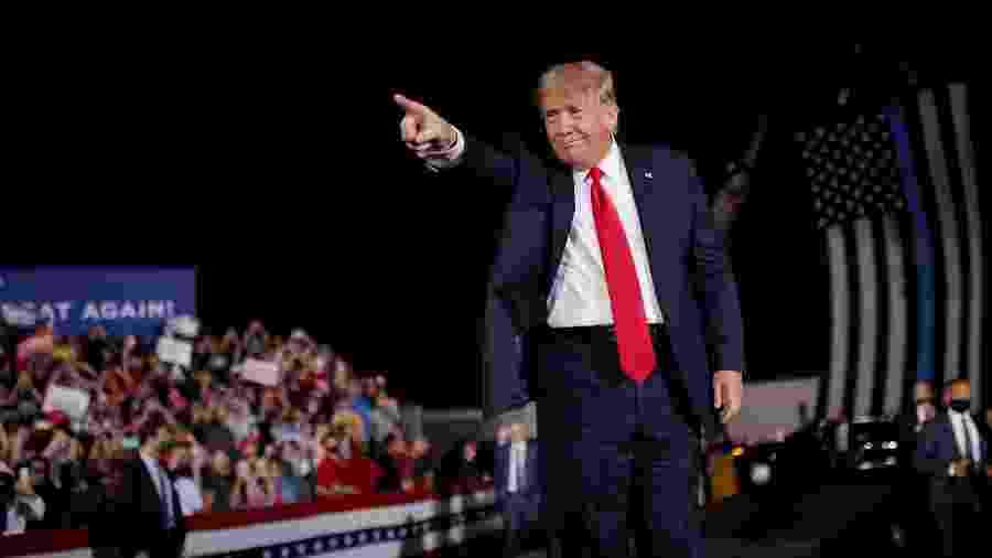 Donald Trump durante comício em Macon, na Geórgia - Carlos Barria/Reuters