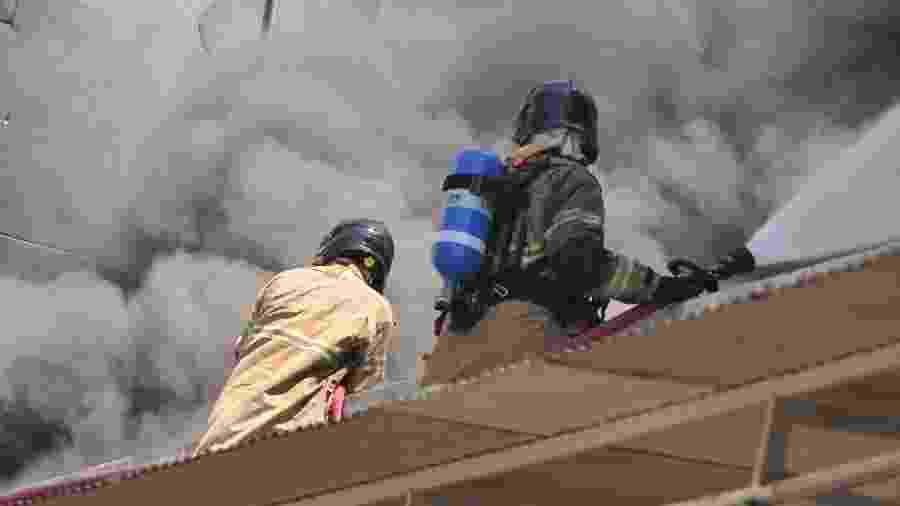 27 out. 2020 - Incêndio atinge Hospital Federal de Bonsucesso, na zona norte do Rio de Janeiro - Fausto Maia/TheNews2/Estadão Conteúdo
