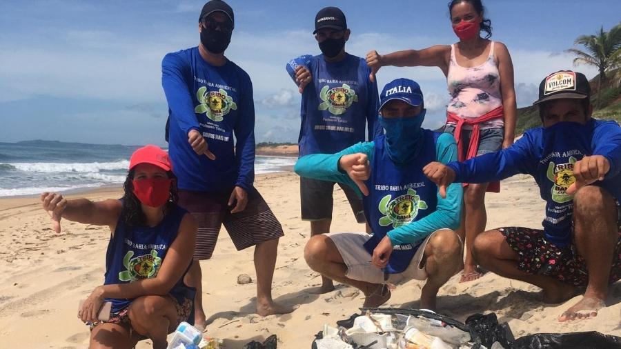 O grupo voluntário Tribo Ambiental auxiliou no recolhimento do lixo - Divulgação/Tribo Ambiental.