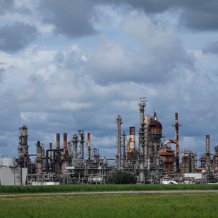 Refinaria Convent Royal Dutch Shell na Louisiana, Estados Unidos, no sábado, 28 de agosto de 2021 - Getty Images
