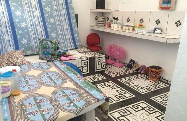 30.jul.2015 - Durante vistoria, Exército e SSP encontram cela tipo 'suíte de luxo' dentro do Complexo Penitenciário Anísio Jobim, em Manaus. A cela pertencia ao traficante