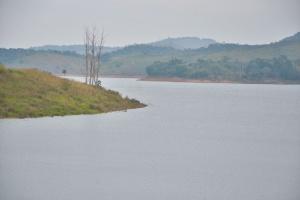 25.jun.2016 - Vista da Represa do Jaguari, que integra o Sistema Cantareira de abastecimento de água, em Jacareí, interior paulista