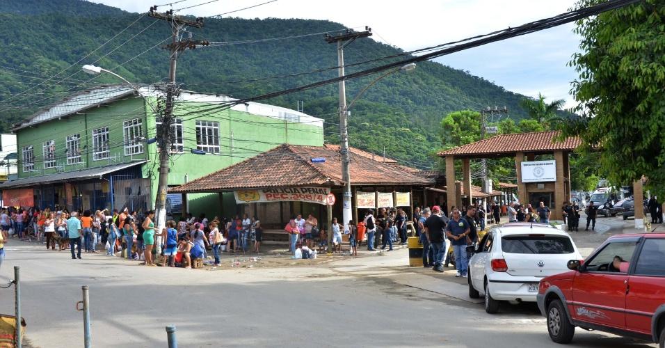 16.jan.2017 - Entrada do Complexo Prisional de Gericinó, em Bangu, na zona oeste do Rio de Janeiro; presídio