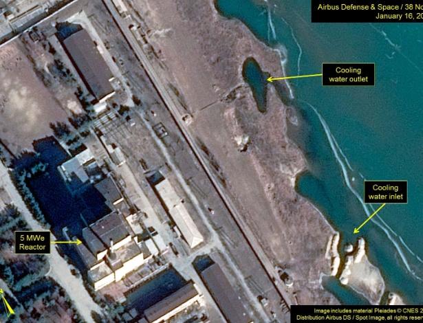 Coreia do Norte pode ter reiniciado seu reator nuclear em Yongbyon - Airbus Defense & Space and 38 North/Handout via Reuters