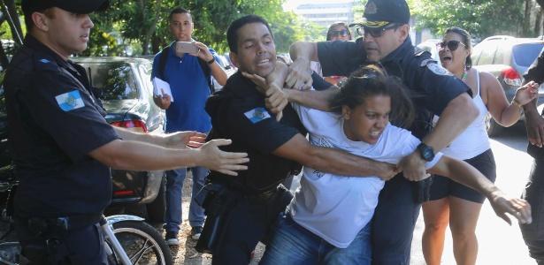 Há dois dias, houve protesto em frente ao Batalhão de Niterói