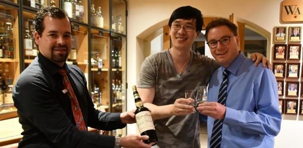 Turista chinês pagou mais de R$ 30 mil por uma pequena dose de whisky na Suíça