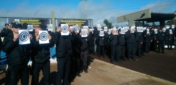 Protesto de agentes penitenciários federais em Catanduvas (PR) nesta quinta-feira (3)