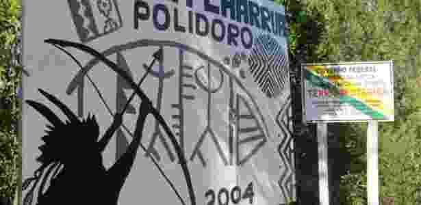Entrada da aldeia charrua Polidoro, em Porto Alegre - Fernanda Wenzel/BBC News Brasil