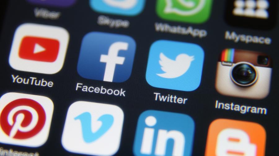 Apple puniu Facebook e Google por violações a regras de desenvolvedores - Getty Images