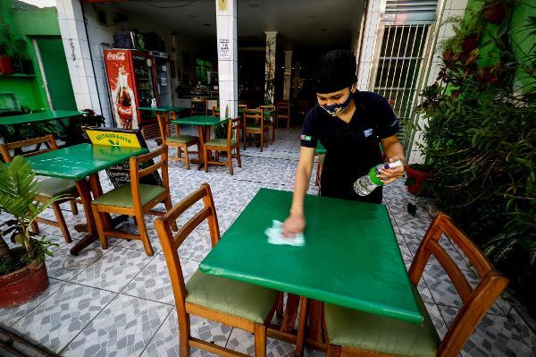 Fotos: A reabertura de restaurantes em SP - 06/07/2020 - UOL Notícias