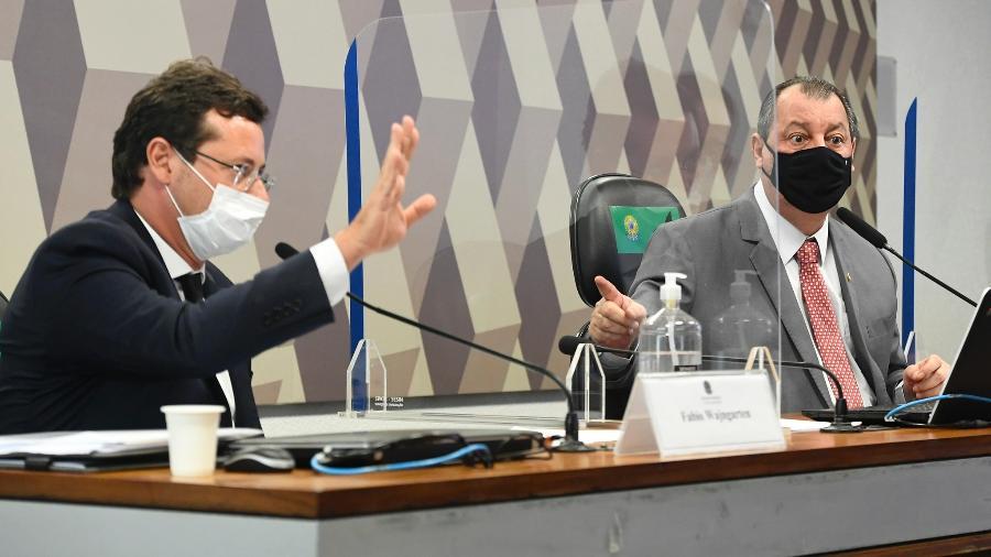 12.mai.2021- O ex-secretário especial de Comunicação Social da Presidência, Fabio Wajngarten, ao lado do senador Omar Aziz (PSD-AM), presidente da CPI da Covid - Jefferson Rudy/Agência Senado