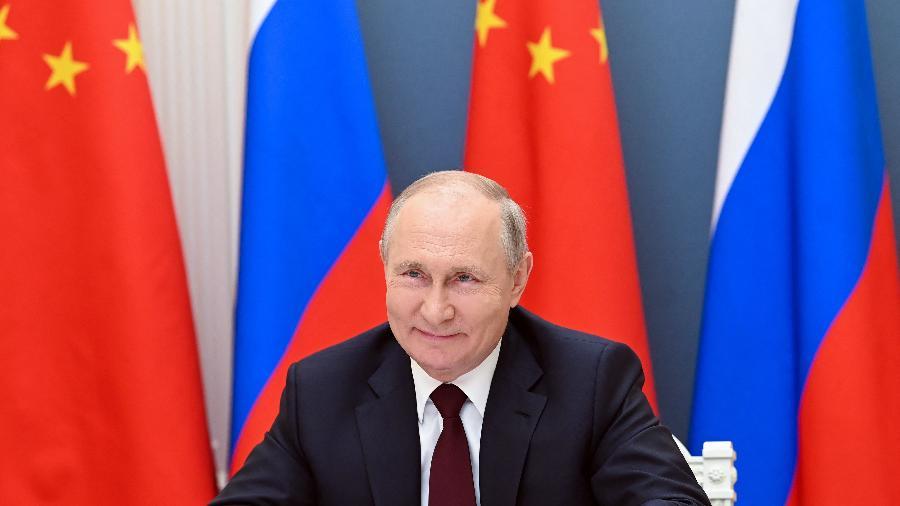 Presidente da Rússia, Vladimir Putin, de 68 anos, está isolado como precaução depois de várias pessoas de seu entorno sentirem sintomas da covid-19 - Alexei Nikolsky/Sputnik/AFP