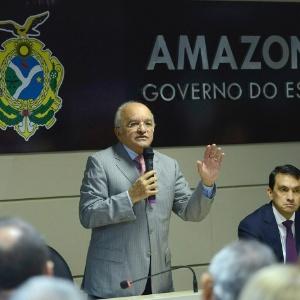 O governador do Amazonas, José Melo de Oliveira (Pros), fala durante evento em março de 2015