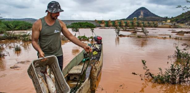 """O pescador Benilde Madeira diz que precisa """"abandonar minha casa, meu canto e procurar outro rio para poder trabalhar"""" - Instituto Últimos Refúgios"""