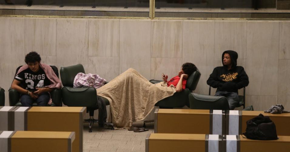 05.mai.2016 - Estudantes secundaristas ocupam Alesp (Assembleia Legislativa de São Paulo) desde as 17h15 do dia 3 de maio. O presidente da Alesp, Fernando Capez, pediu reintegração de posse ontem. Os manifestantes pedem isntauração da CPI da merenda, e Capez poderia estar envolvido no esquema