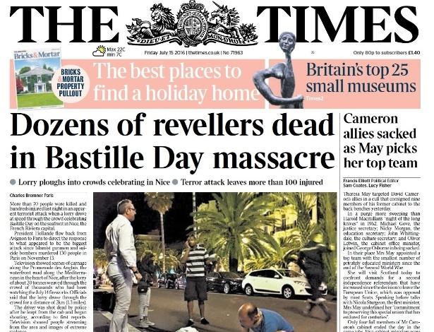 """14.jul.2016 - A manchete do The Times fala em """"massacre"""" sobre ataque em Nice, na França. Um caminhão que atropelou uma multidão durante celebração da Queda da Bastilha, maior feriado nacional francês, no centro de Nice, na Riviera Francesa"""