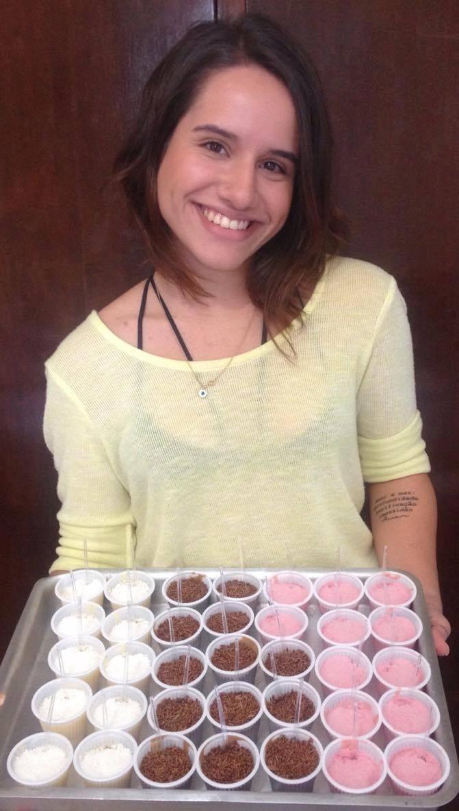 Aluna da Unicamp vende doces para ajudar jovens carentes no vestibular