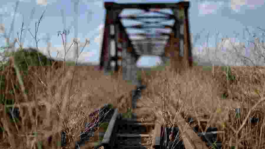 Obras da ferrovia têm 10 anos de atraso, sendo que maior parte do projeto deve recuperar trilhos existentes - Ueslei Marcelino/Reuters