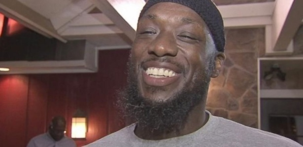Shaurn Thomas, que cumpria prisão perpétua, foi inocentado e solto nos EUA