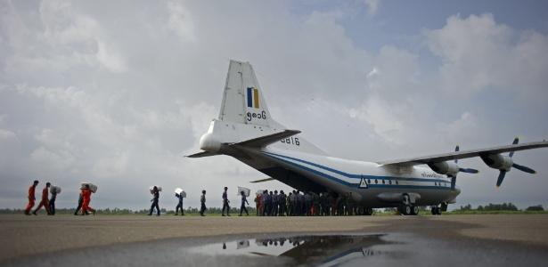 Imagem de arquivo mostra um avião da Força Aérea de Mianmar