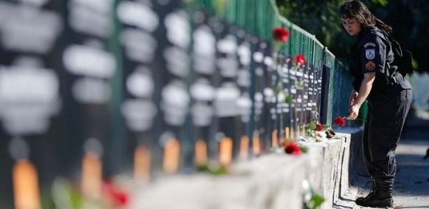 ONG instala placas em homenagem aos policiais militares mortos no Rio em 2017