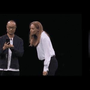 Para criar o emoji 3D, você usa um recurso de realidade aumentada do smartphone. - Reprodução/Samsung