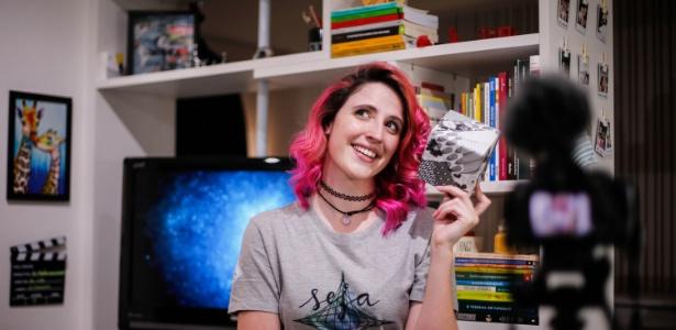 """Julia Jaccoud tem 24 anos e é criadora do canal """"Matemaníaca"""""""