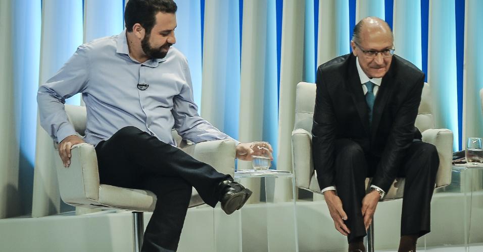 4.out.2018 - Guilherme Boulos (PSOL) e Geraldo Alckmin (PSDB) candidatos à Presidência da República durante debate eleitoral promovido pela Rede Globo, em estúdio da emissora na zona oeste da cidade do Rio de Janeiro nesta quinta-feira