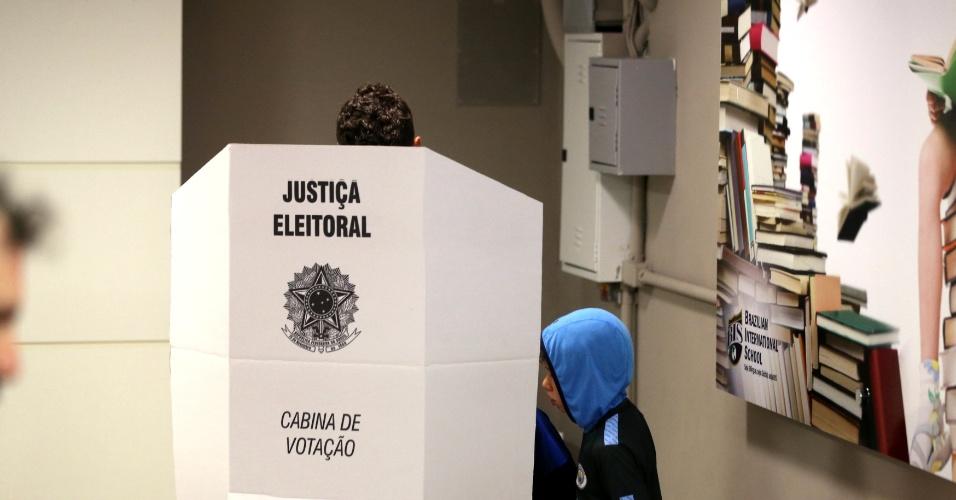 Eleitor vota em São Paulo
