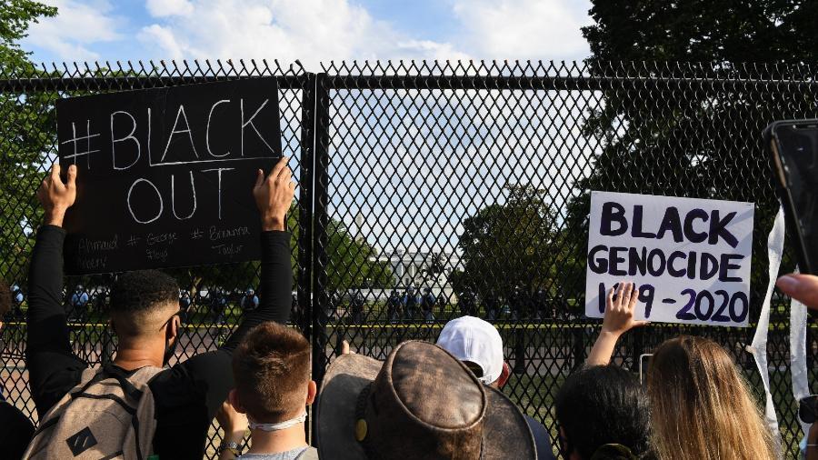 Casa Branca ergue alta cerca de metal para conter protestos pela morte de George Floyd - Caroline Brehman/CQ-Roll Call, Inc via Getty Images