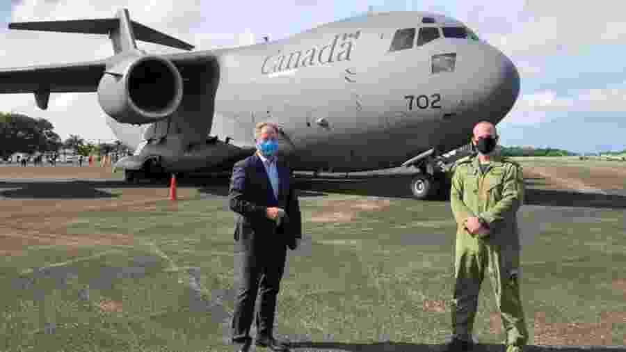 O avião canadense com equipamentos de proteção individual chegou hoje a Honduras - Reprodução/Twitter