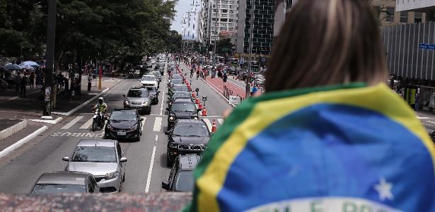 Notícias | Após carreata da esquerda, direita protesta contra Bolsonaro