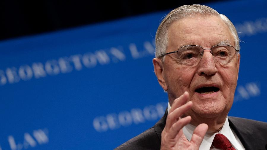 24.set.2013 - Comunicado familiar não especifica as causas da morte de Mondale - Win Mcnamee/Getty Images/AFP